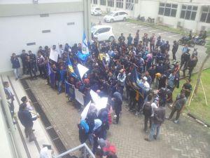 Dana IKOMA UTM Dinilai Tidak Jelas, Mahasiswa Teknik Demo