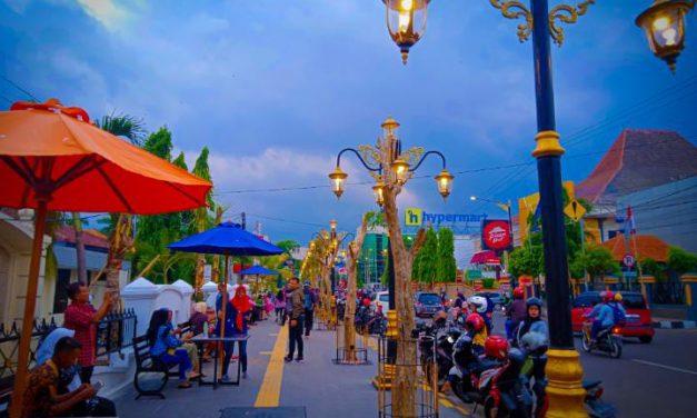 Madiun Rasa Jogja (Jl. Pahlawan, depan Balai Kota Madiun)