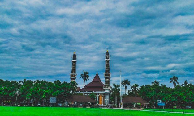 Pesona Alun-Alun Kota Jombang